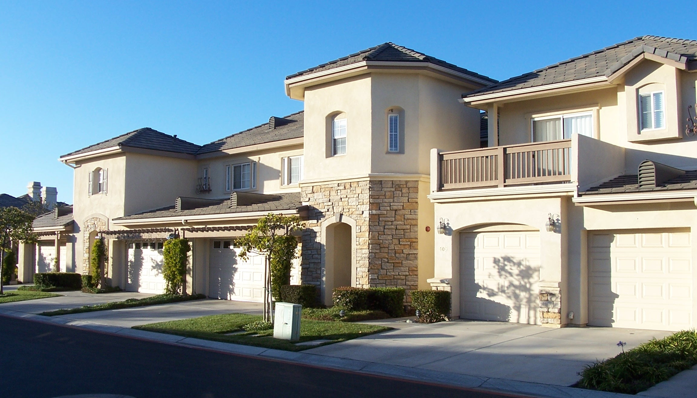 Somerset gardens santa maria luxury town homes 2011 real for Luxury townhome plans