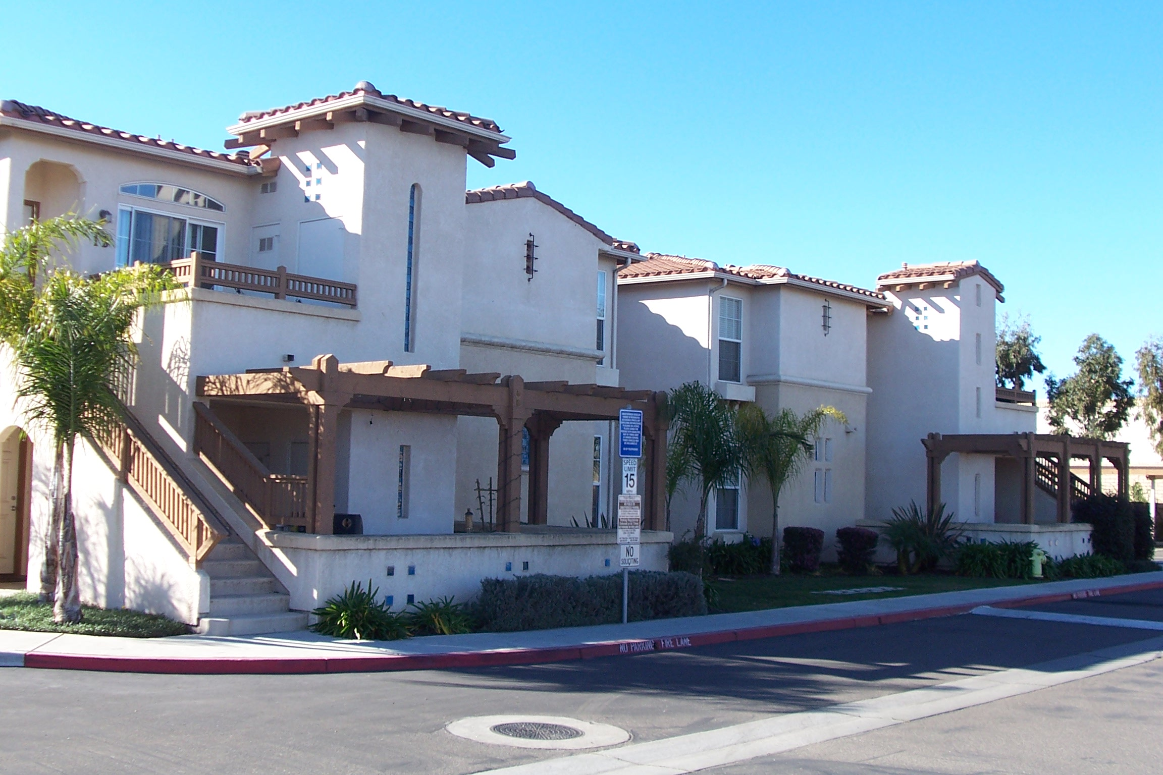 Mission creek village condos vs oak creek villas santa for Villas california
